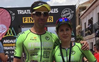 Triatlón media distancia de Ardales (Málaga). Nuestros triatletas, Marta López y Niki Wymmersch.